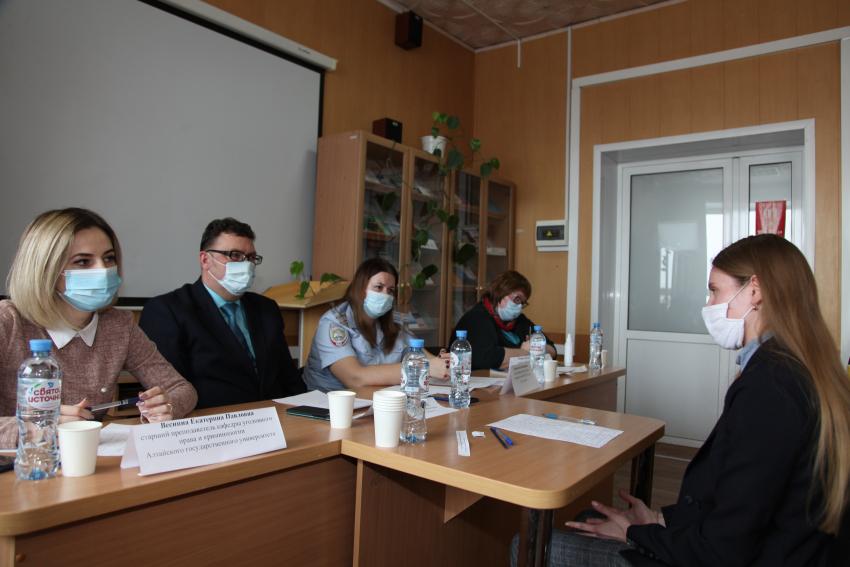 Студенты юридического института стали призерами отборочного этапа Всероссийской студенческой олимпиады по уголовному праву