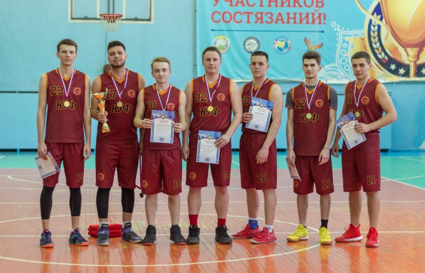 20 марта прошло Первенство АлтГУ по баскетболу среди мужских команд